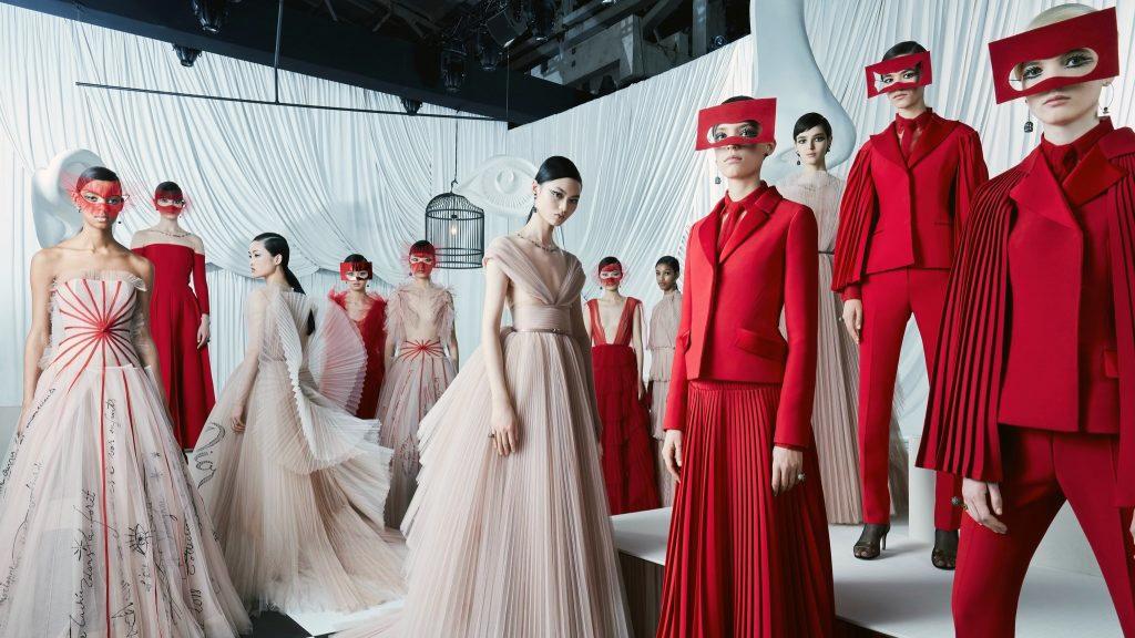Đặc điểm sản phẩm Haute Couture là gì