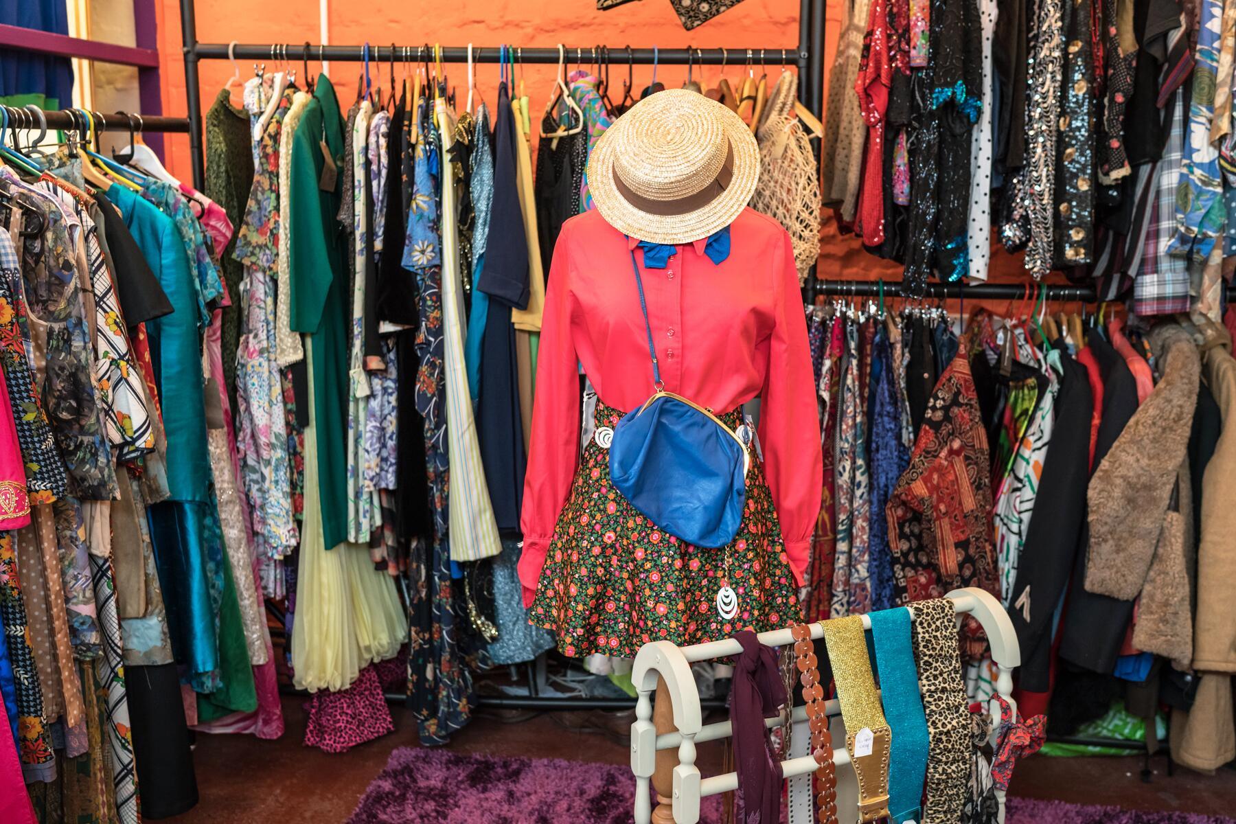 Lý do yêu thích Thrift shop là gì?